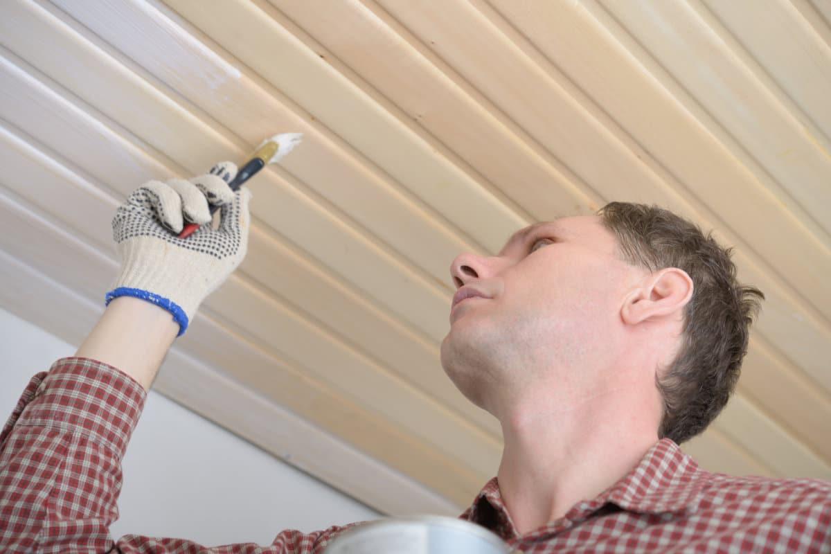 houten plafond schilderen