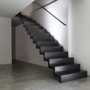 trap schilderen in zwart